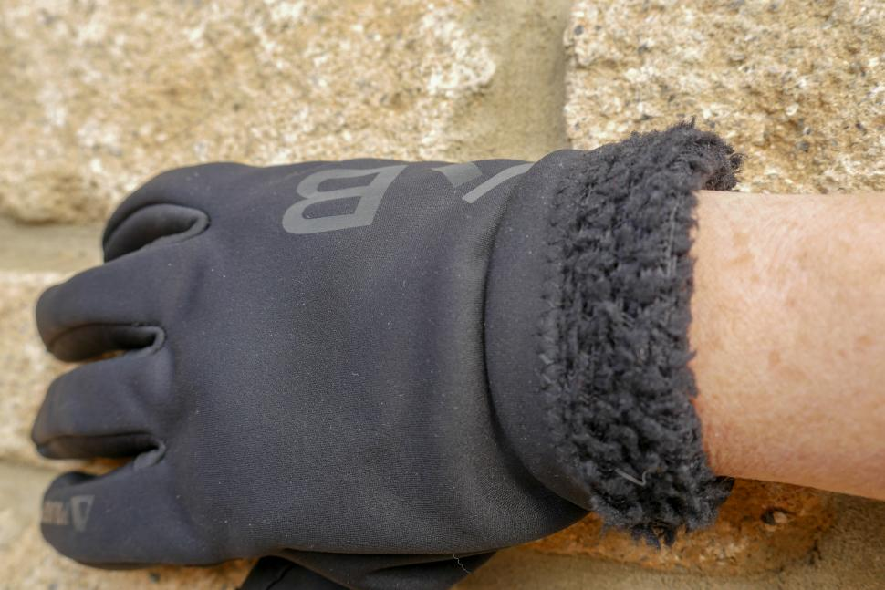 dhb Aeron Lab All Winter Polartec Glove 2.jpg