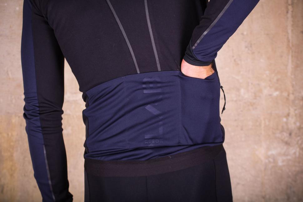 dhb Aeron Lab All Winter Soft Shell Jacket - pockets.jpg