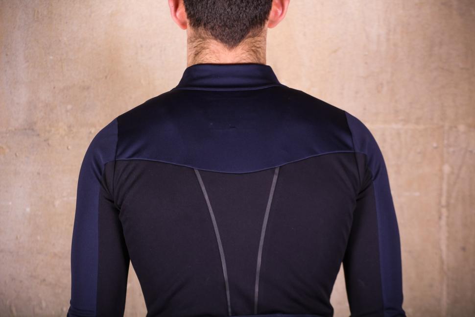 dhb Aeron Lab All Winter Soft Shell Jacket - shoulders.jpg