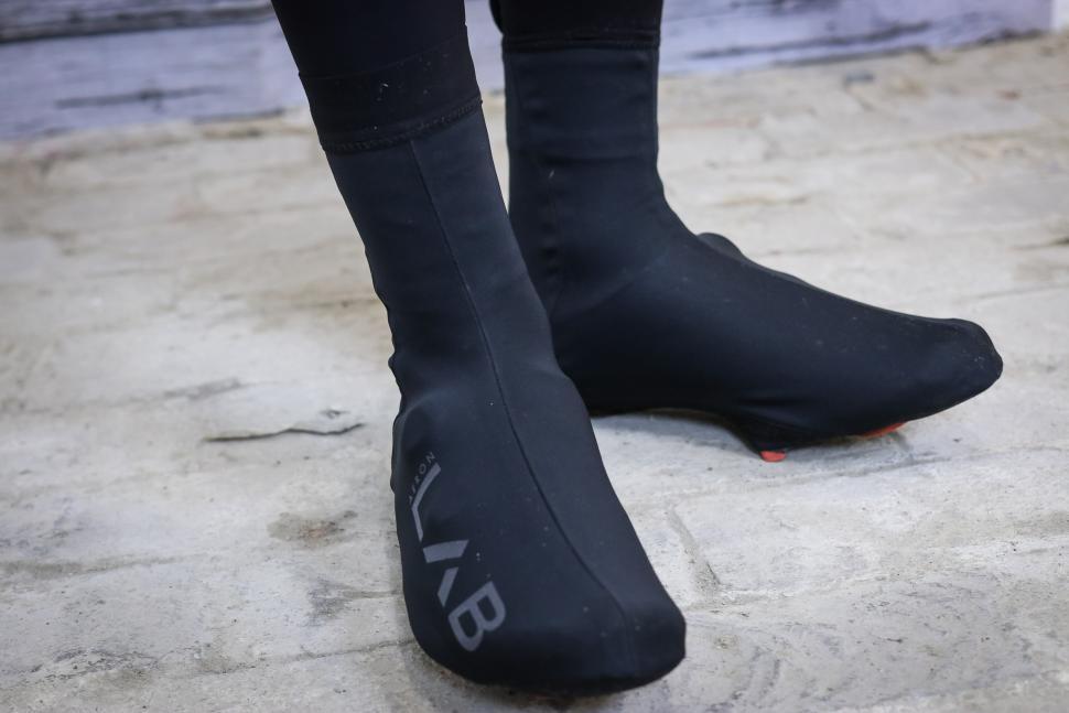 dhb Aeron LAB overshoes-1.jpg