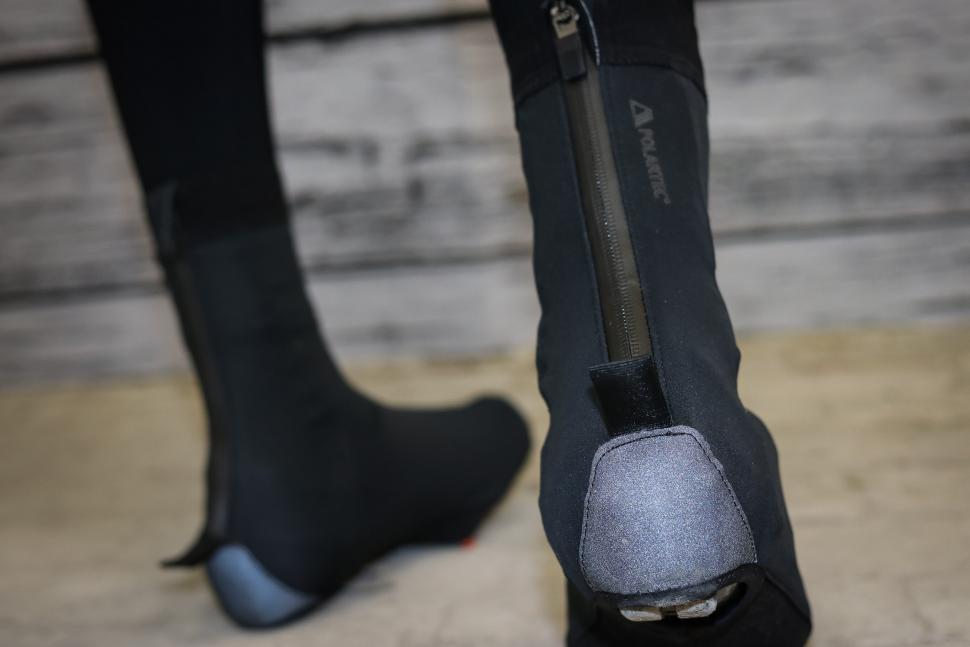 dhb Aeron LAB overshoes-3.jpg