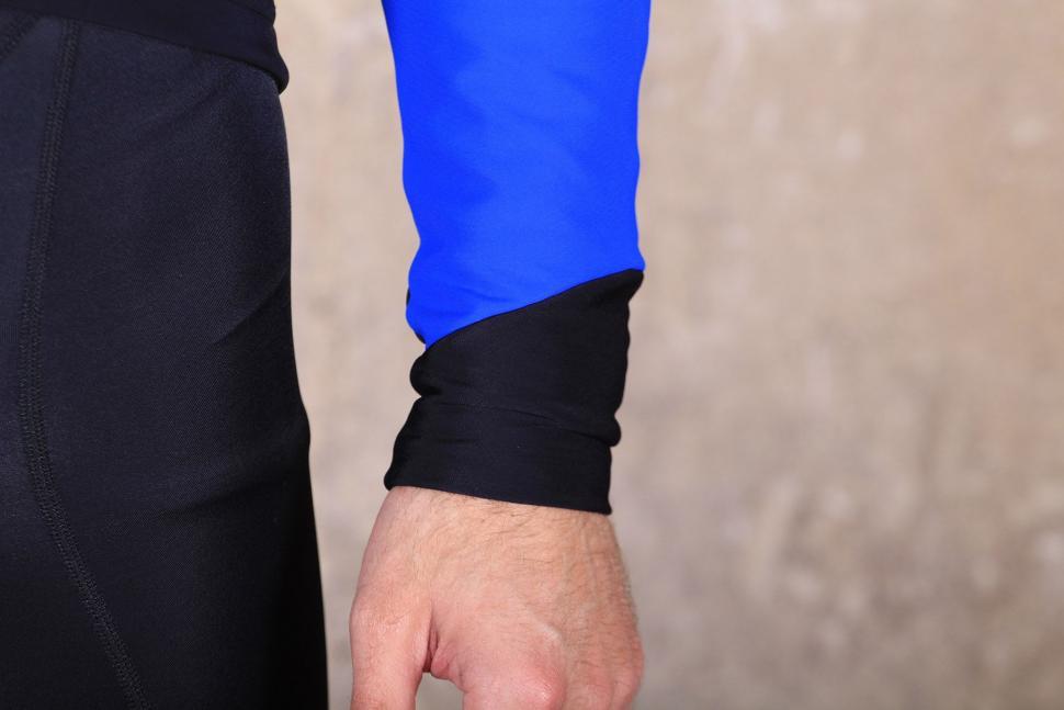 dhb Aeron Pro Full Protection Softshell - cuff.jpg