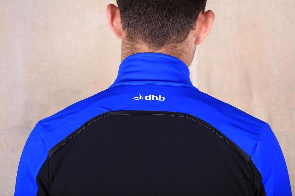 dhb Aeron Pro Full Protection Softshell - shoulder.jpg