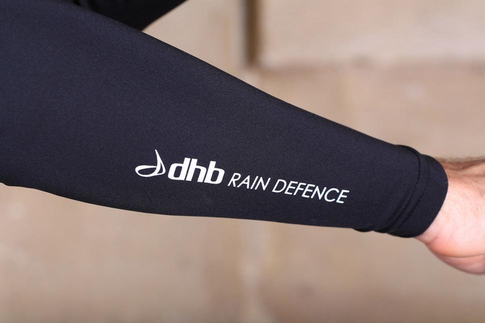 dhb Aeron Rain Defence Arm Warmers - logo detail.jpg