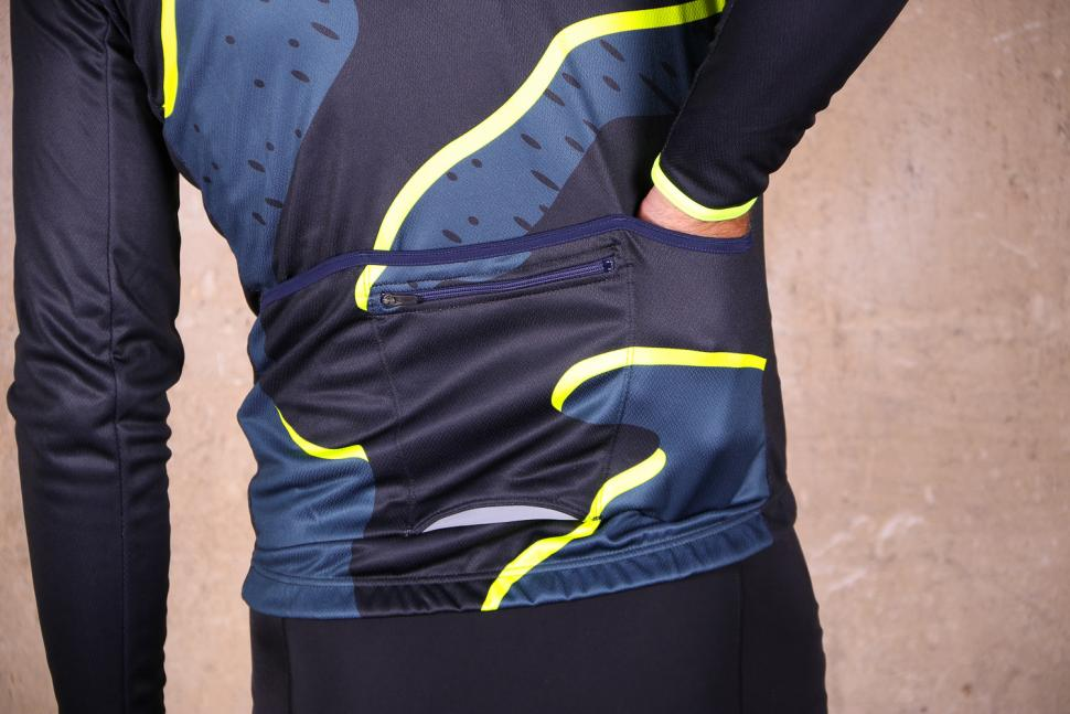 Review  dhb Blok Thermal Long Sleeve Jersey - Strata  15854c2db