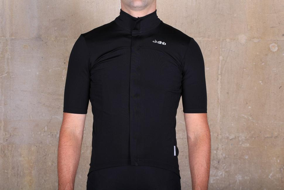 Review  dhb Aeron Rain Defence Short Sleeve Jersey  4c83db6eb