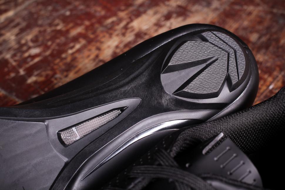 dhb Dorica Road Shoe - sole heel.jpg