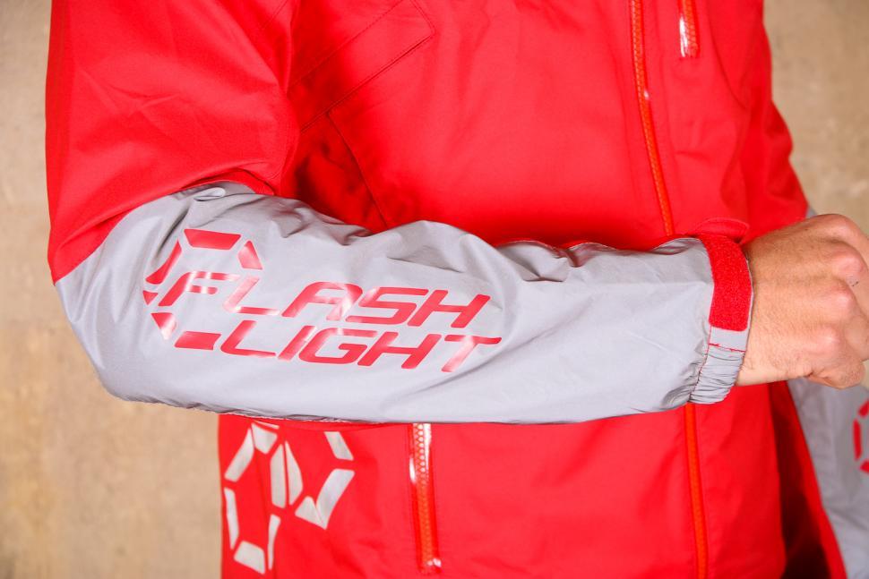 dhb Flashlight Force Waterproof Jacket - sleeve.jpg