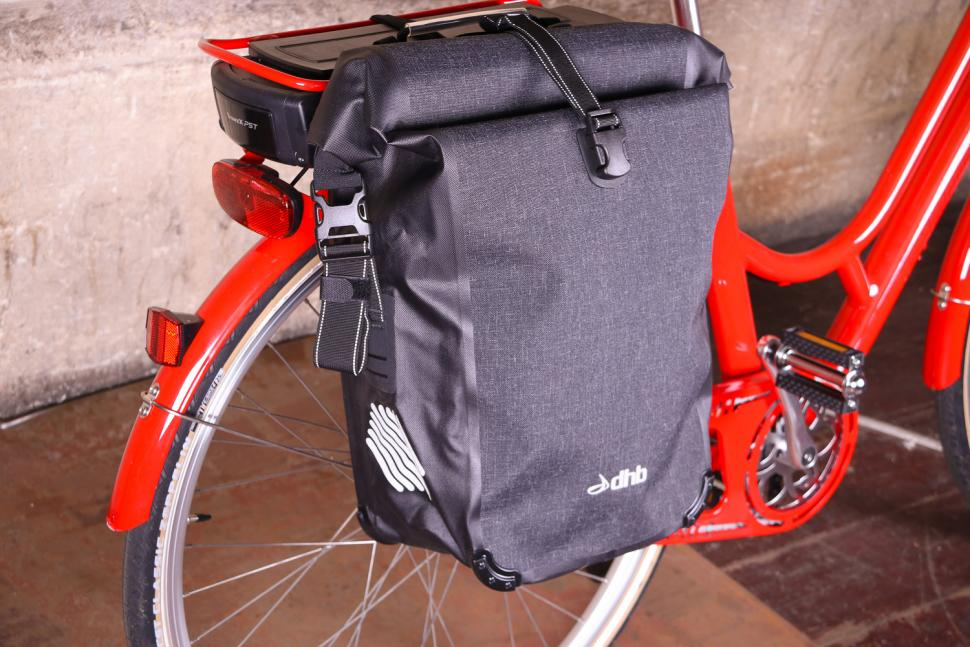 dhb Waterproof Pannier 22L - side.jpg