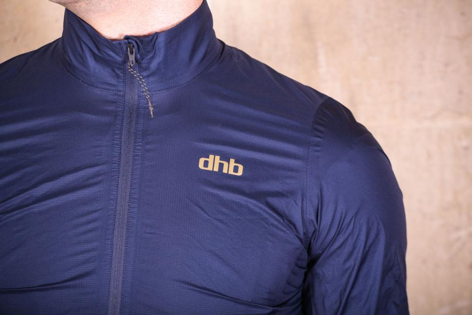 dhb_aeron_lab_ultralight_waterproof_jacket_-_chest_logo.jpg