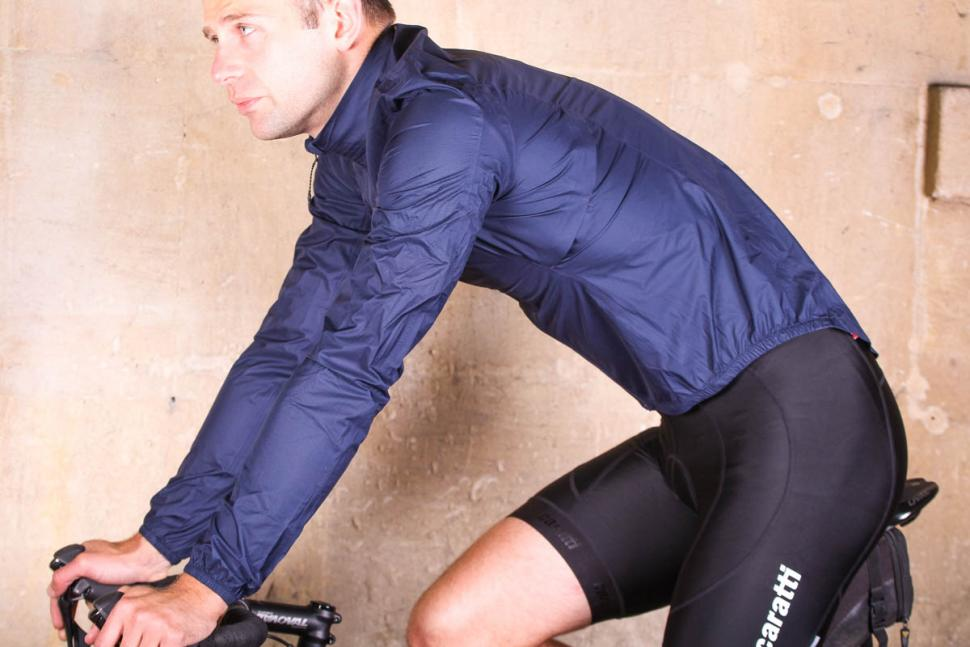 dhb_aeron_lab_ultralight_waterproof_jacket_-_riding.jpg
