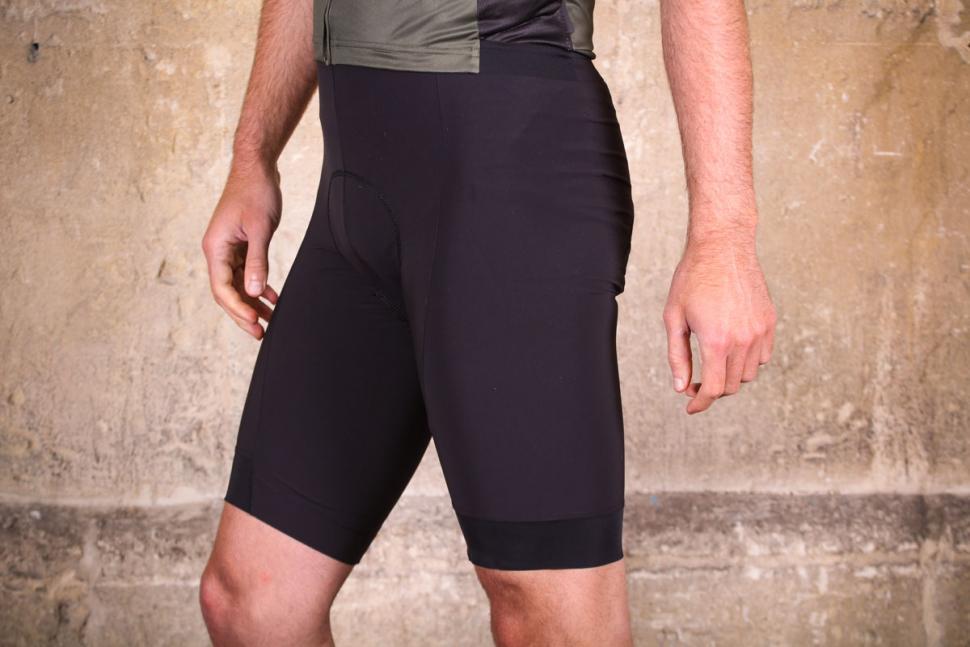 dhb_aeron_speed_bib_shorts_-_side.jpg