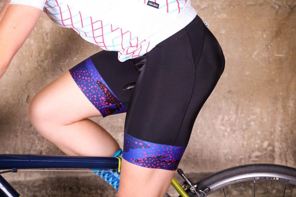 dhb_blok_womens_bib_short_swirl_-_riding.jpg
