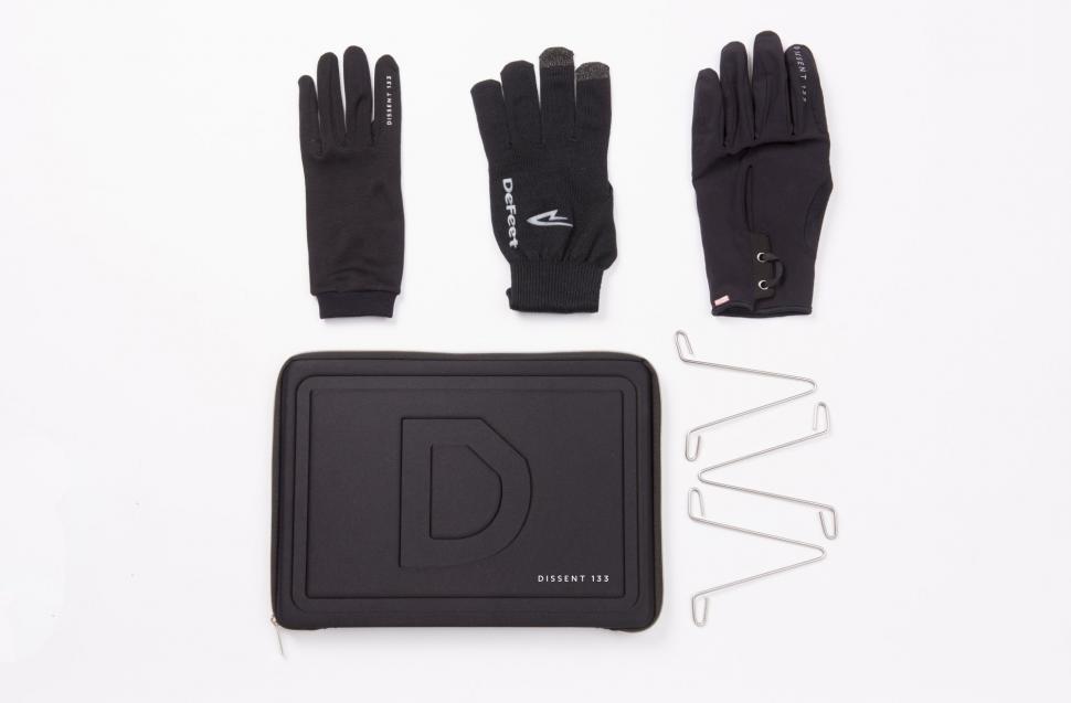 Dissent 133 glove system (1).jpg