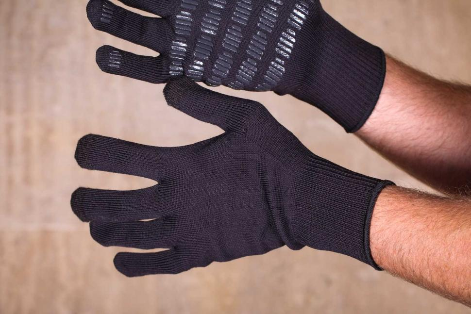 Dissent 133 Ultimate Cycling Glove Pack - layer 2 back.jpg