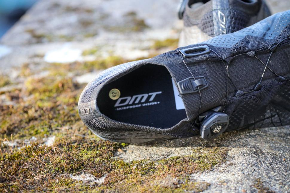 DMT KR1 Road Shoes - opening.jpg