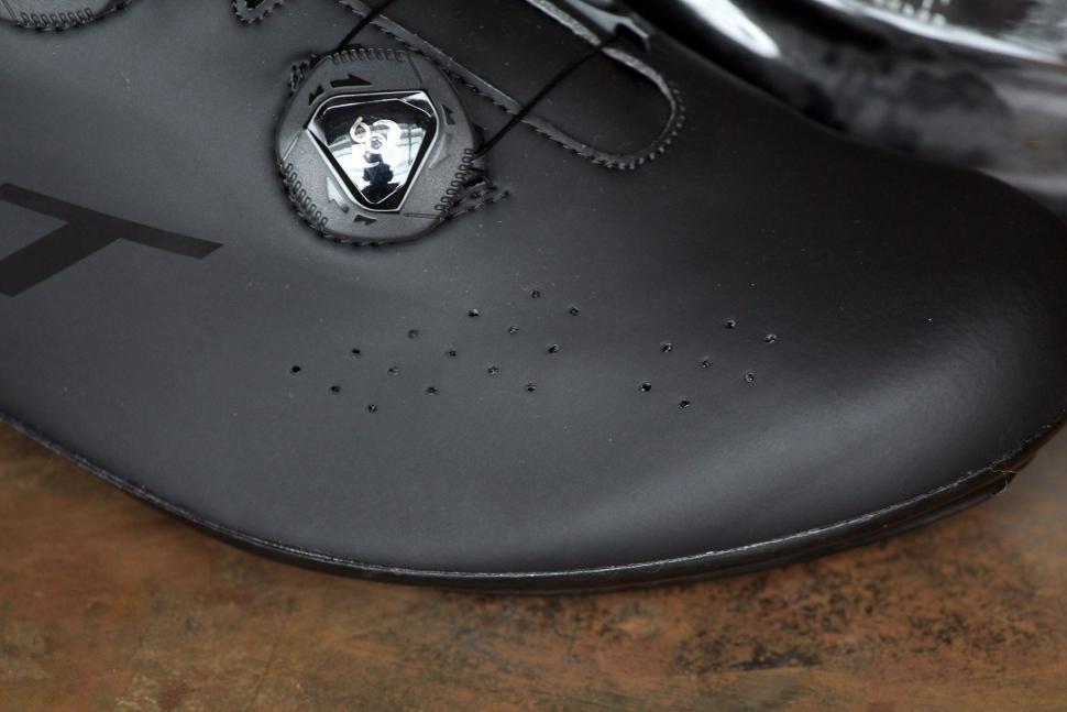 DMT Road Shoe R1 - detail.jpg