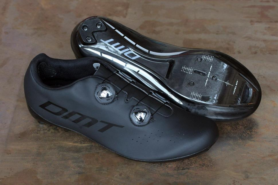 58c485640b Review  DMT R1 Road Shoe