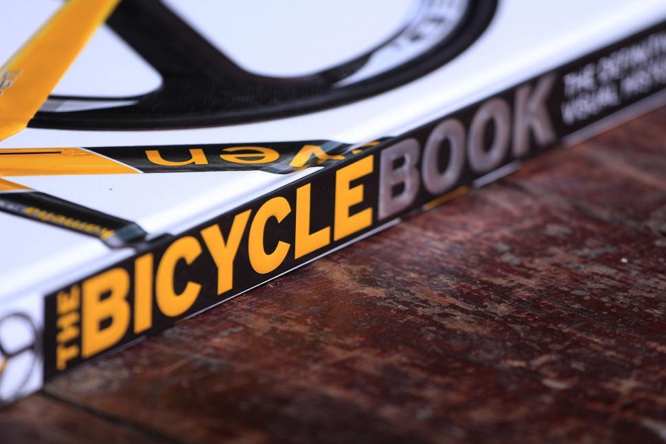 Dorling Kindersley The Bicycle Book - spine.jpg