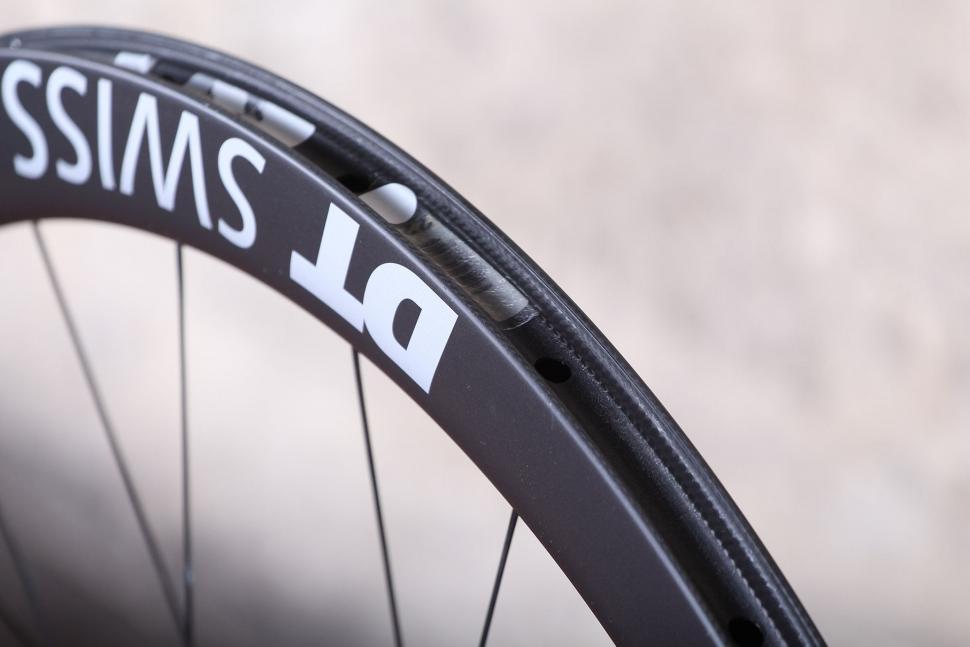 DT Swiss ERC 1100 Dicut DB Endurance Road Wheels - rim.jpg