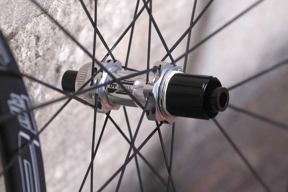DT Swiss R-32 Spline Wheelset - rear hub.jpg