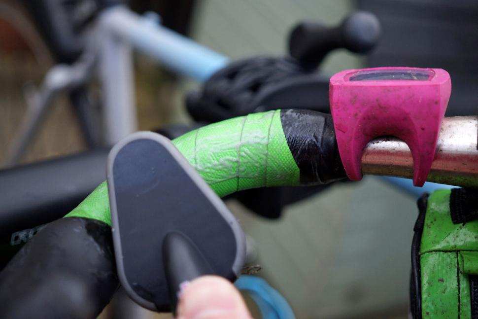 Duck Smart The Black Stuff Chain Cleaner - on bar tape 2.jpg
