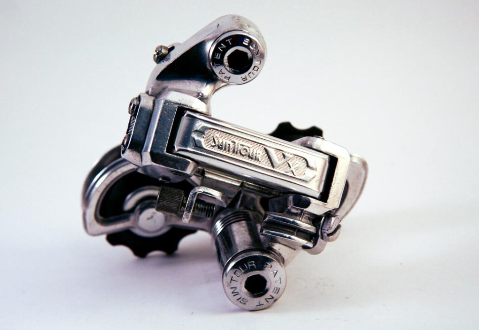 Early SunTour VX rear mech (CC BY-NC-ND 2.0 Andrew Nguyen|Flickr).jpg