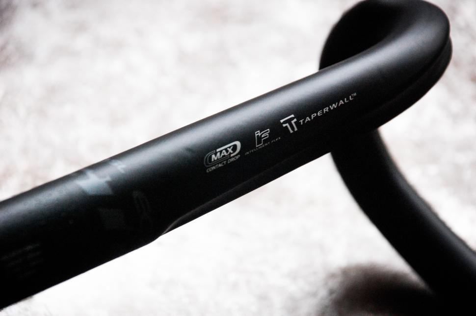 Easton EA70 Handlebar - detail 1.jpg
