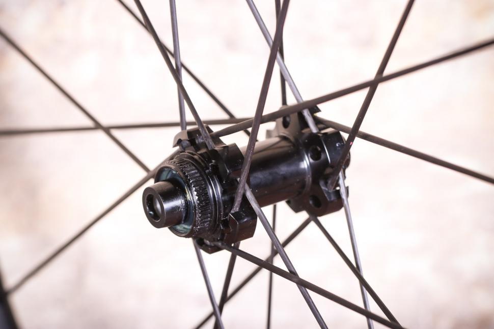 Edco Brocon disc brake wheels - front hub.jpg