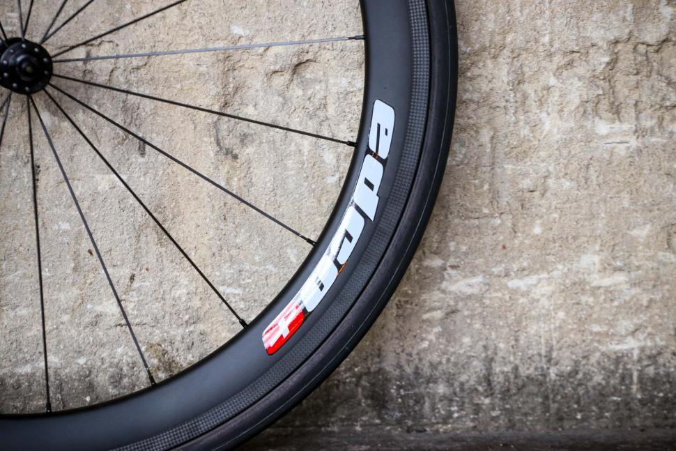 Edco Maloja wheelset - rim 2.jpg