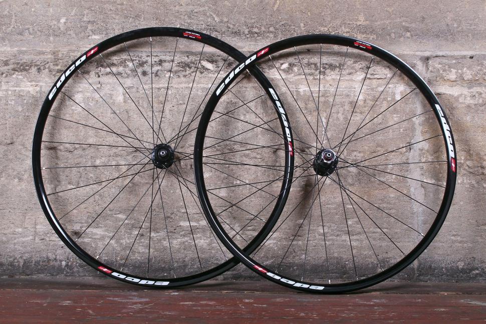 Edco Roches Disc Brake Tubeless Ready wheelset.jpg