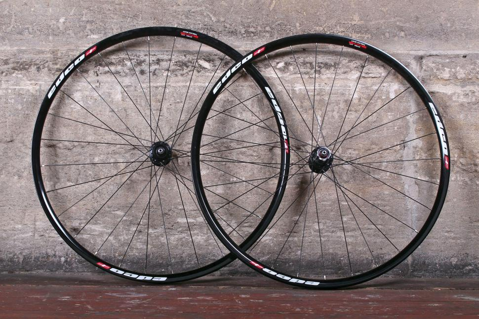 Edco Roches Disc Brake Tubeless Ready wheelset.jpg