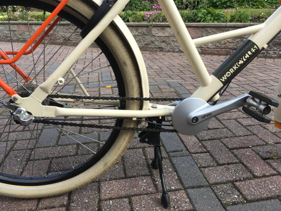 Efneo - on bike 2.jpg