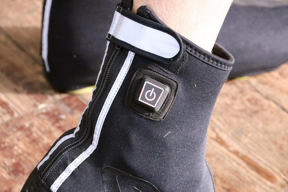 Ekoi Heat Concept Black Overshoes - button.jpg