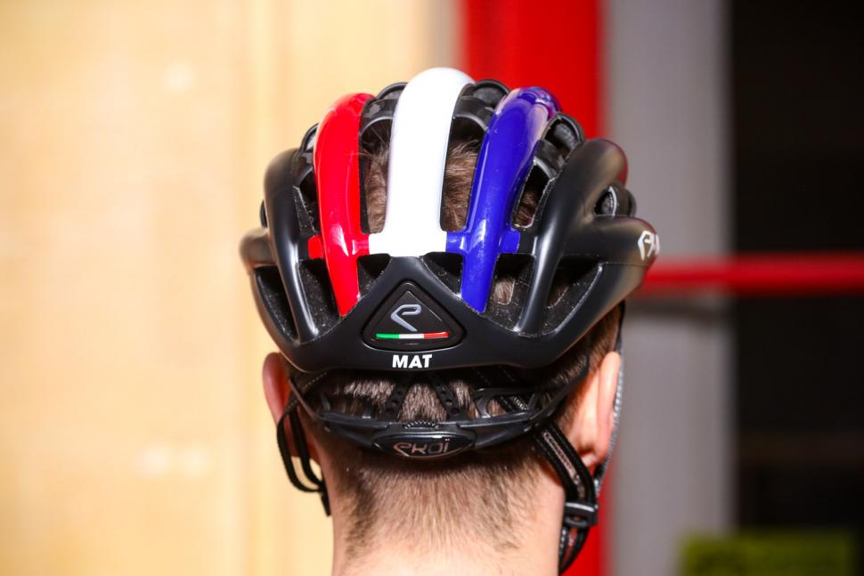 Ekoi Legende helmet - back.jpg