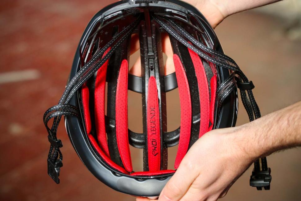 Ekoi Legende helmet - inside.jpg