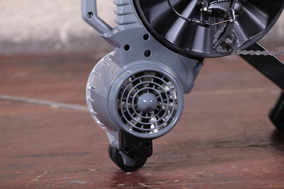 Elite Volano Fluid direct drive trainer - fan.jpg