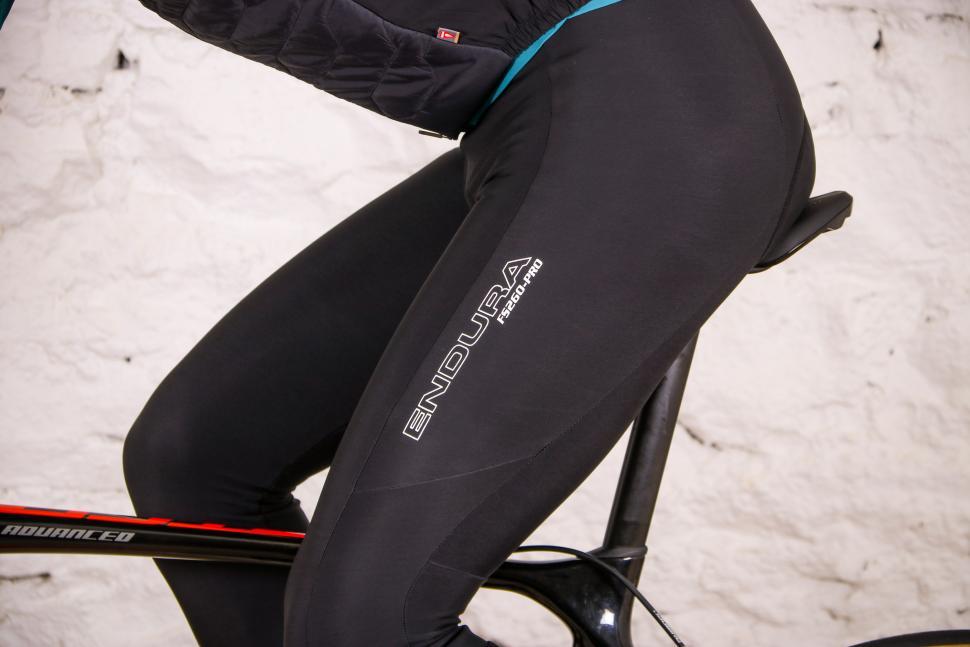 Endura FS260-Pro Thermo Bibtight - riding thigh.jpg