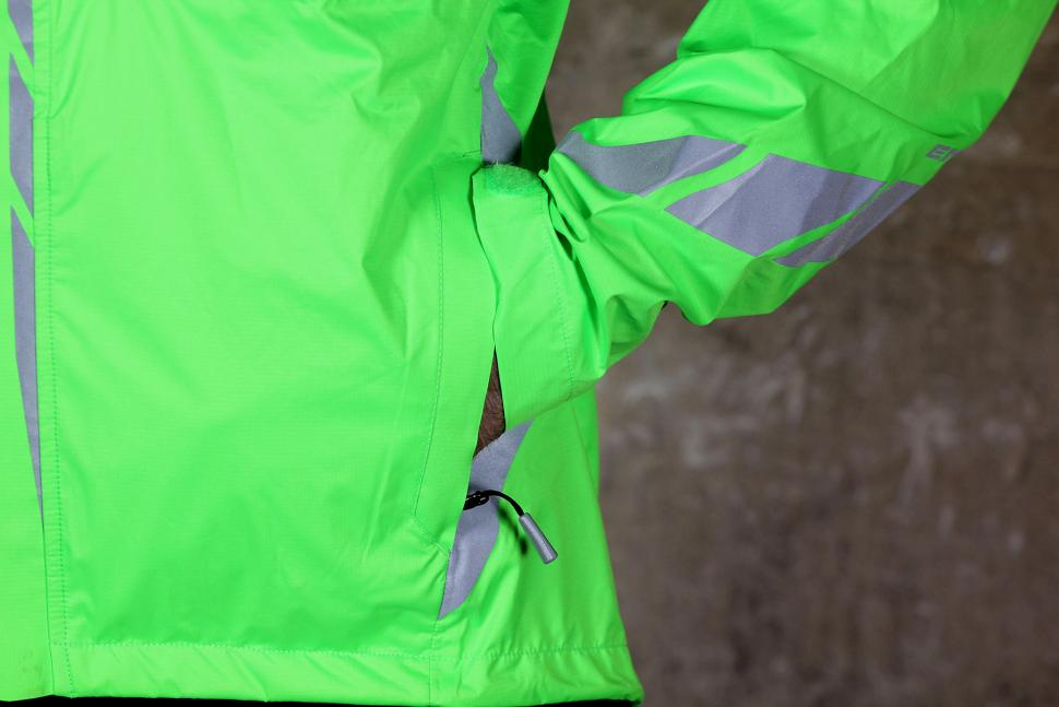 Endura Luminite II Jacket - pocket.jpg