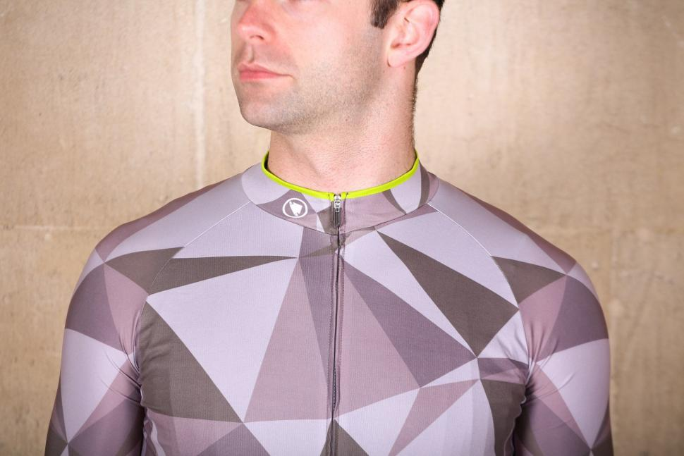 Endura M90 Graphic Short Sleeve LTD Jersey - chest.jpg