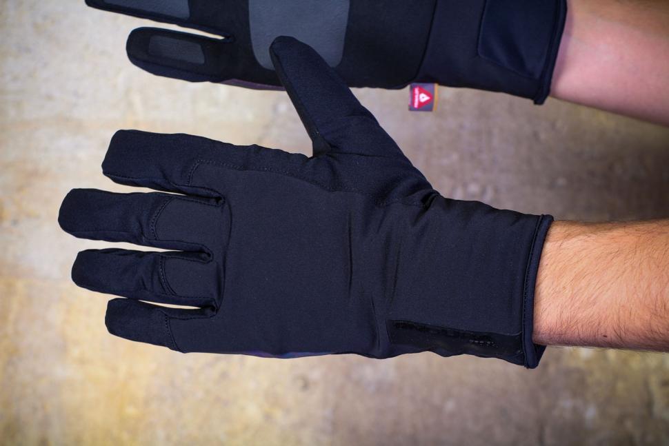 Endura Pro SL Primaloft Waterproof glove - back.jpg