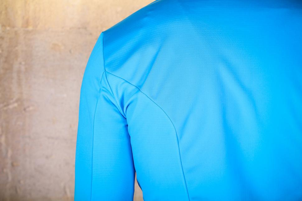 Endura Pro SL Thermal Windproof II - seams.jpg