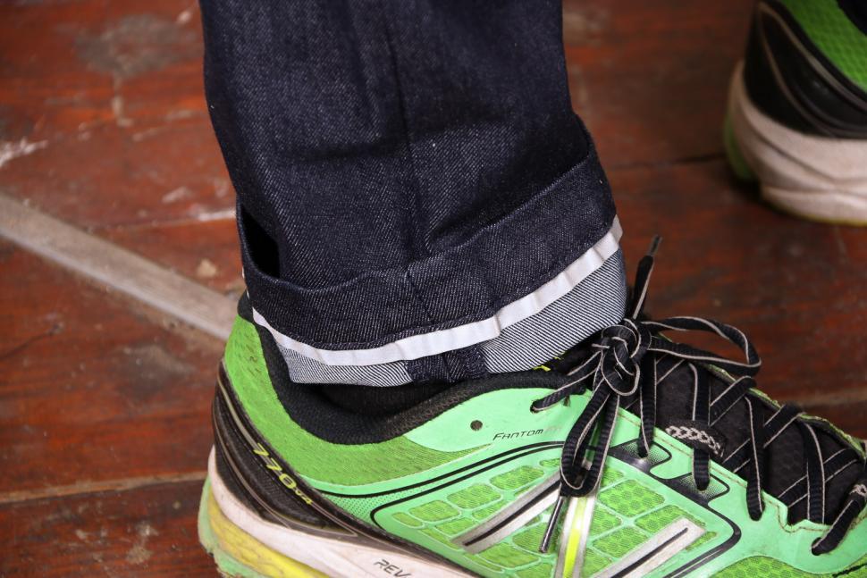 Endura Urban Jean - cuff.jpg