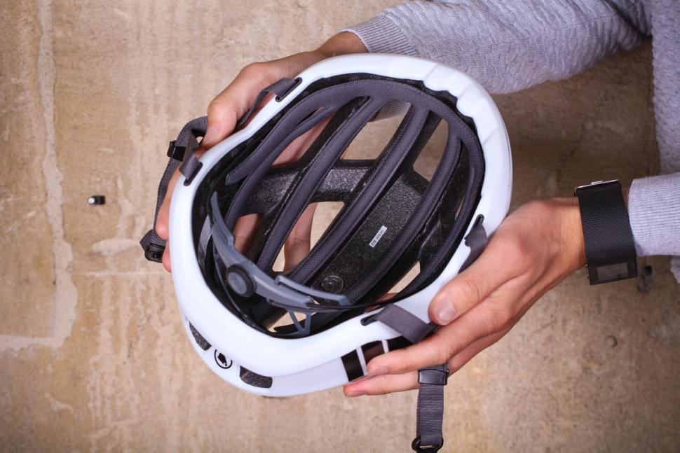 endura_fs260-pro_helmet_-_inside.jpg