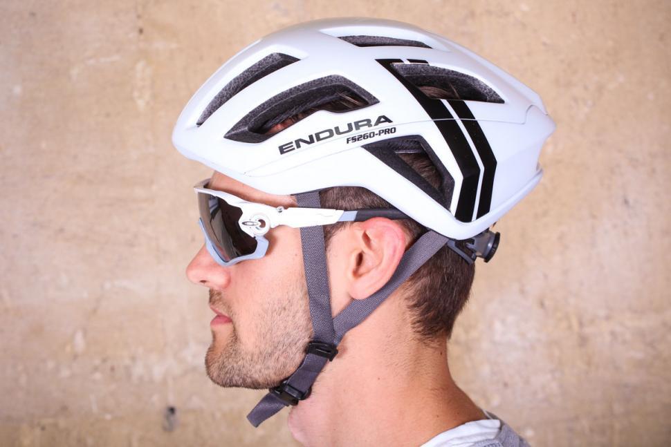 endura_fs260-pro_helmet_-_side.jpg