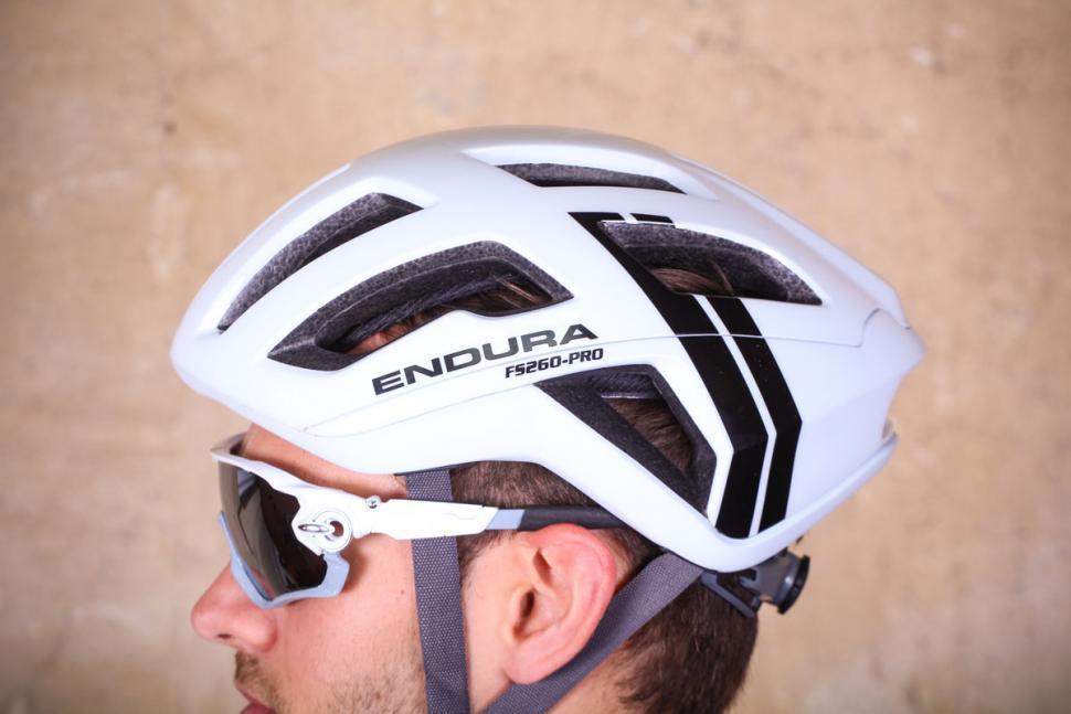 endura_fs260-pro_helmet_-_side_2.jpg