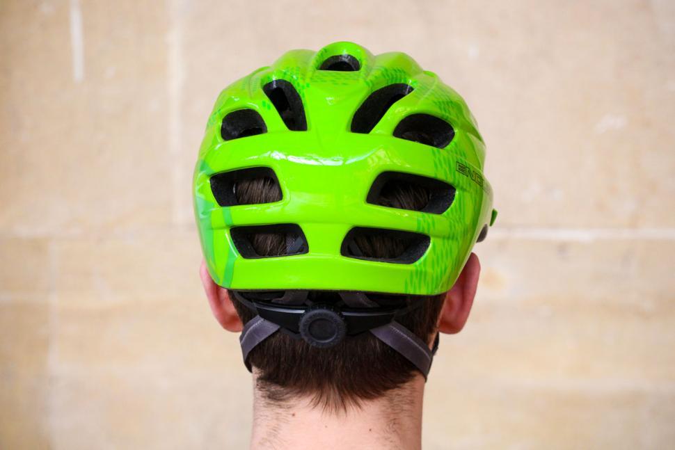 endura_hummvee_helmet_-_back.jpg