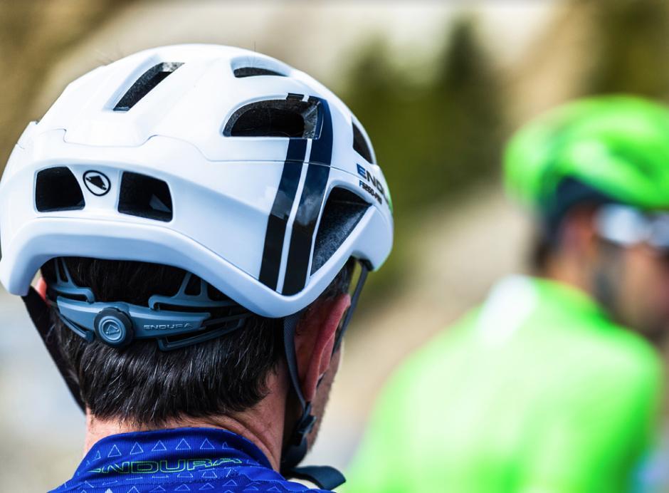 endura_new_helmet_1.png