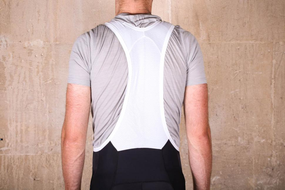 endura_pinstripe_bib_shorts_-_straps_back.jpg