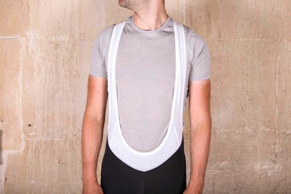 endura_pinstripe_bib_shorts_-_straps_front_.jpg